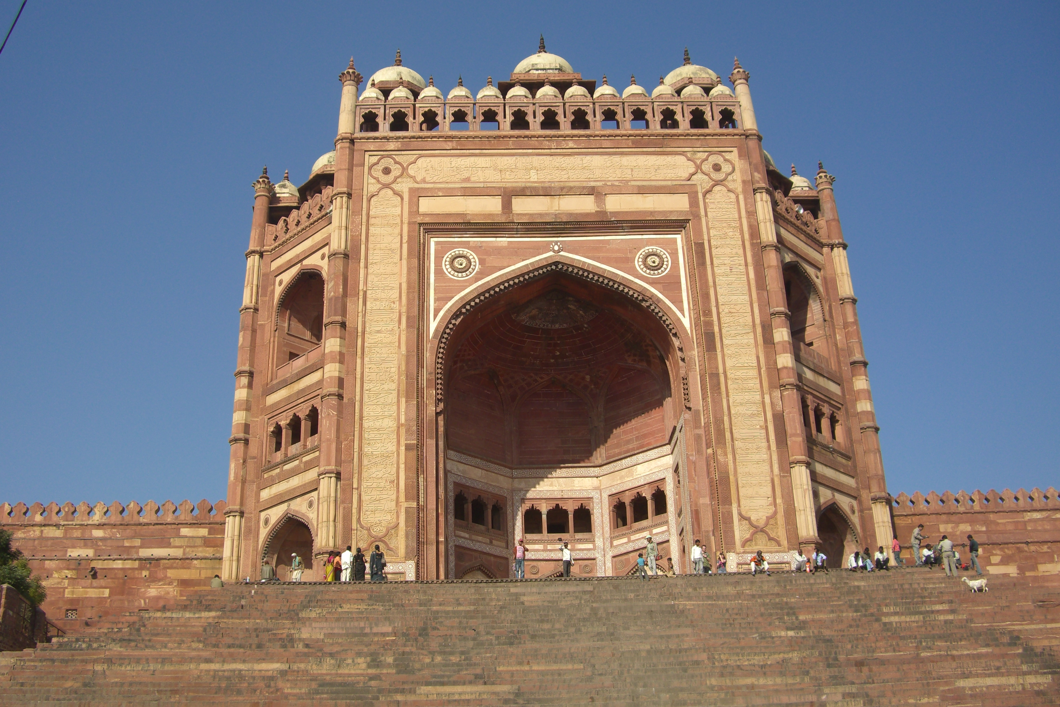 Top 6 Places To Visit In Fatehpur Sikri